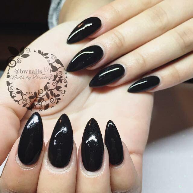 long black almond nails ♡