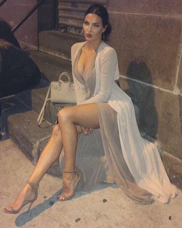 Nude Outfit | Natalie Halcro
