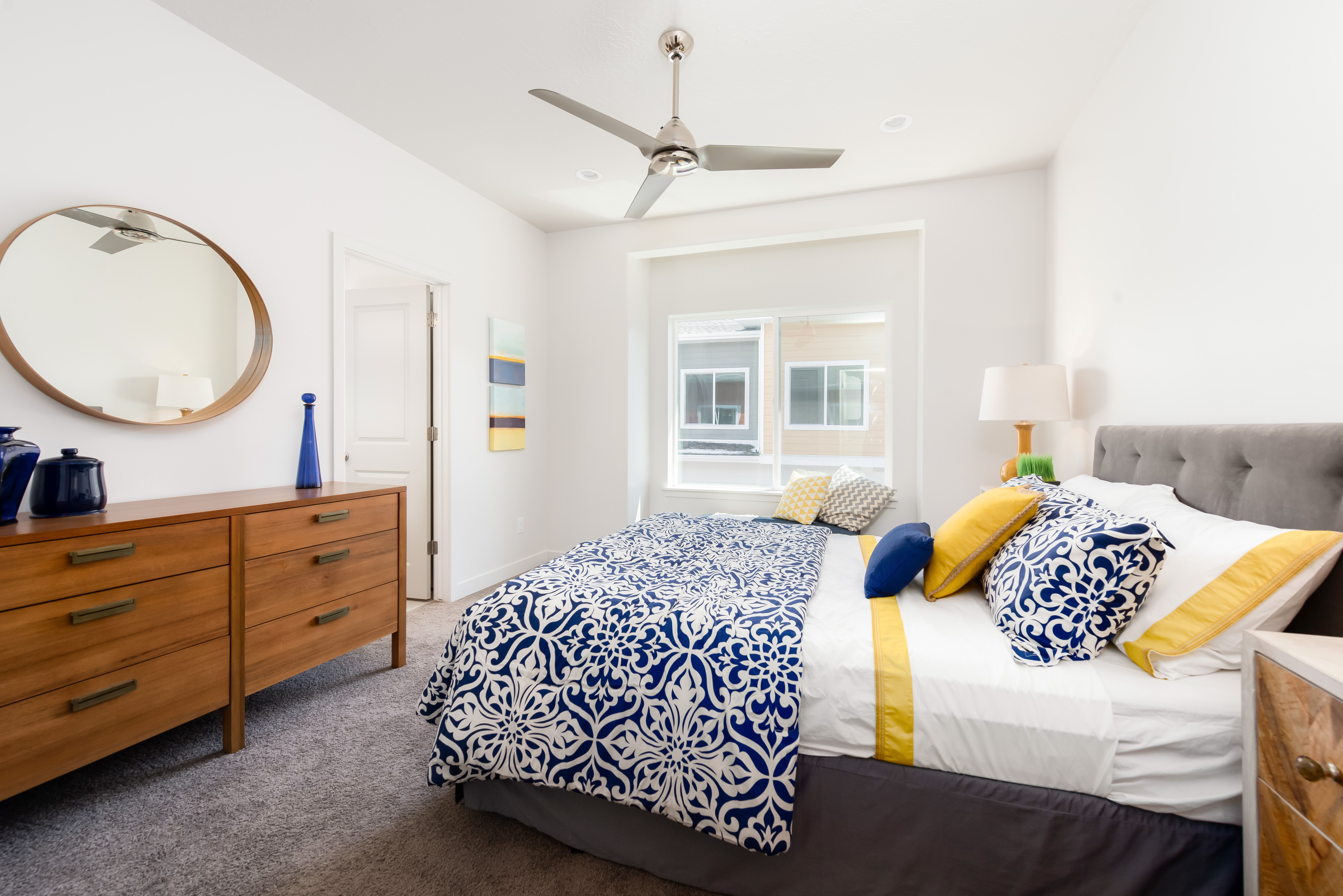 How would you rate this colorful décor scheme from 110