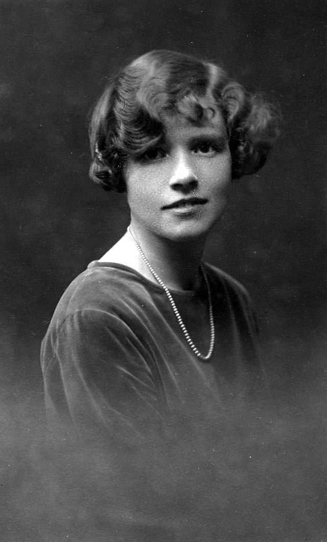 retro fashion women fashionable hairstyles from the 1920s