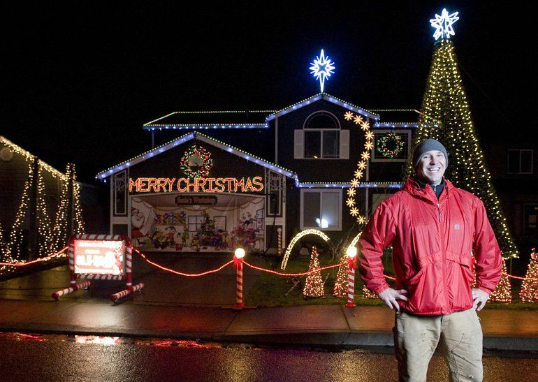 brandon whitehead has been setting up a computer controlled christmas light show at his home