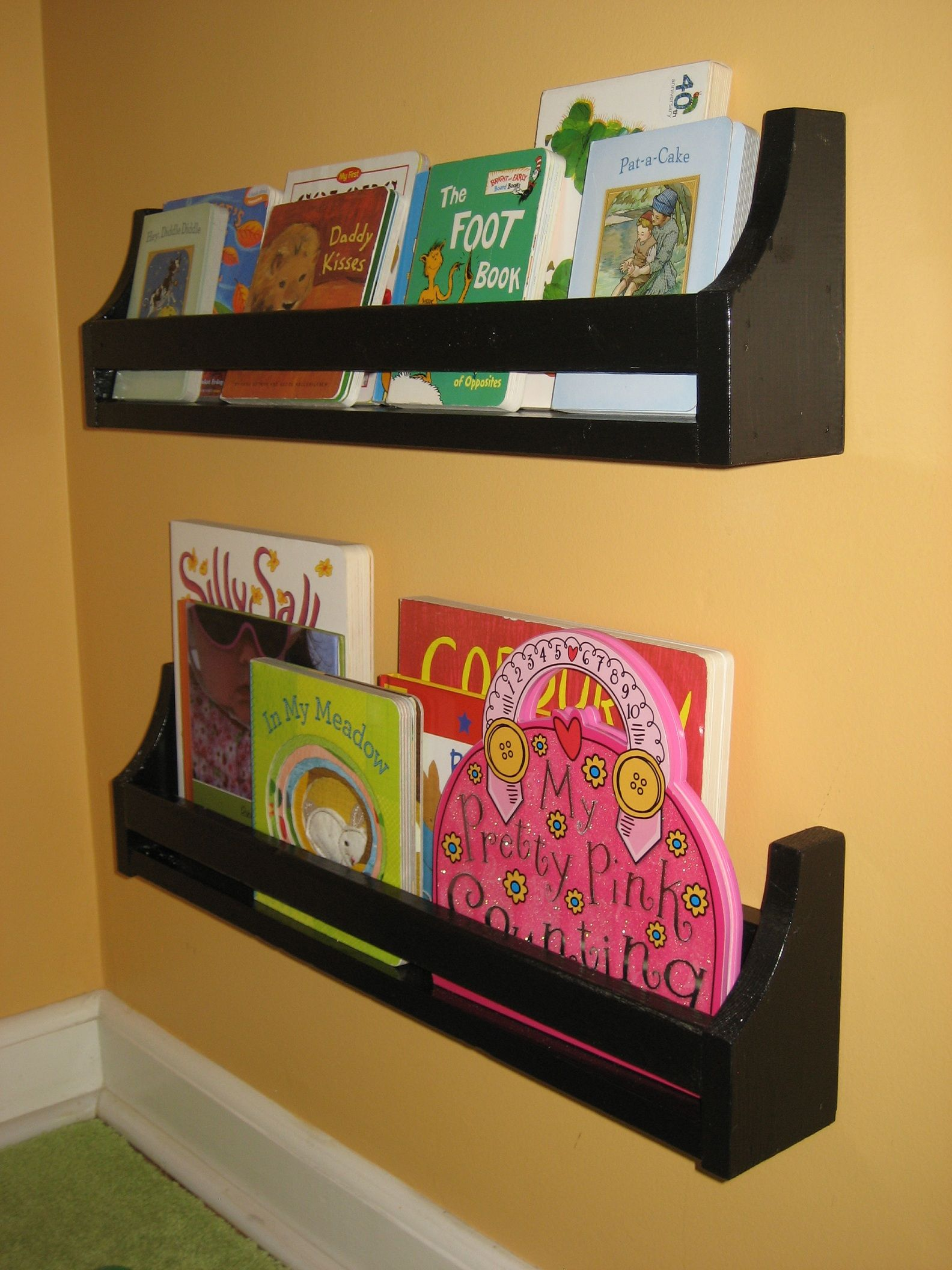 Flat wall bookholders small size do it yourself home projects flat wall bookholders small size do it yourself home projects from ana white solutioingenieria Gallery