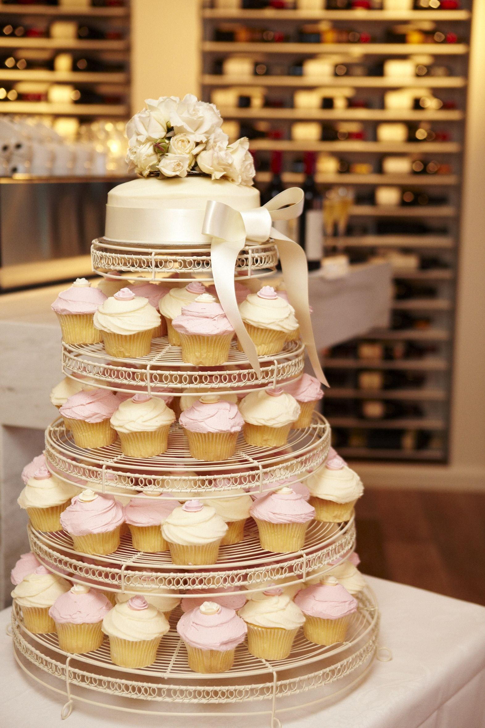 cupcake wedding cake must marry pinterest. Black Bedroom Furniture Sets. Home Design Ideas