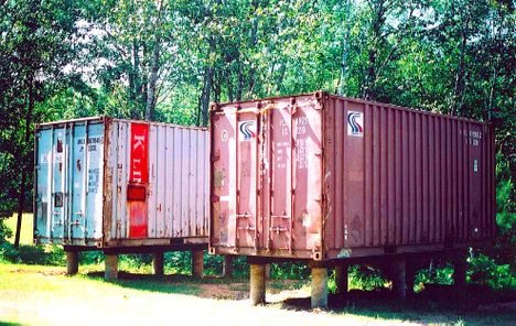 Always loved boxcars and cabooses. What a cool guest house or vacation place!