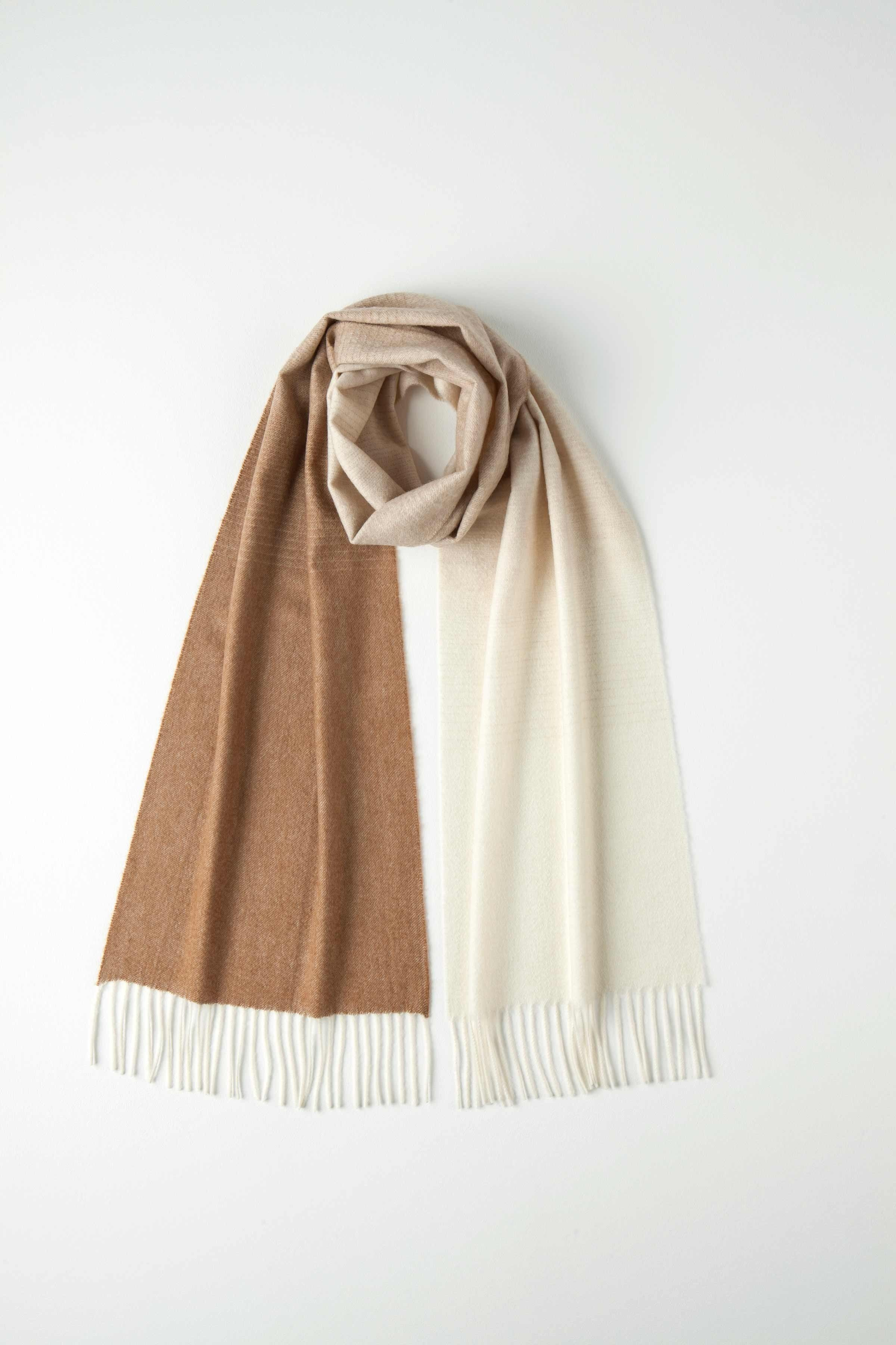 100/% Cashmere Winter Scarf Scarve Scotland Warm Herringbone Brown Shawl Neck NEW
