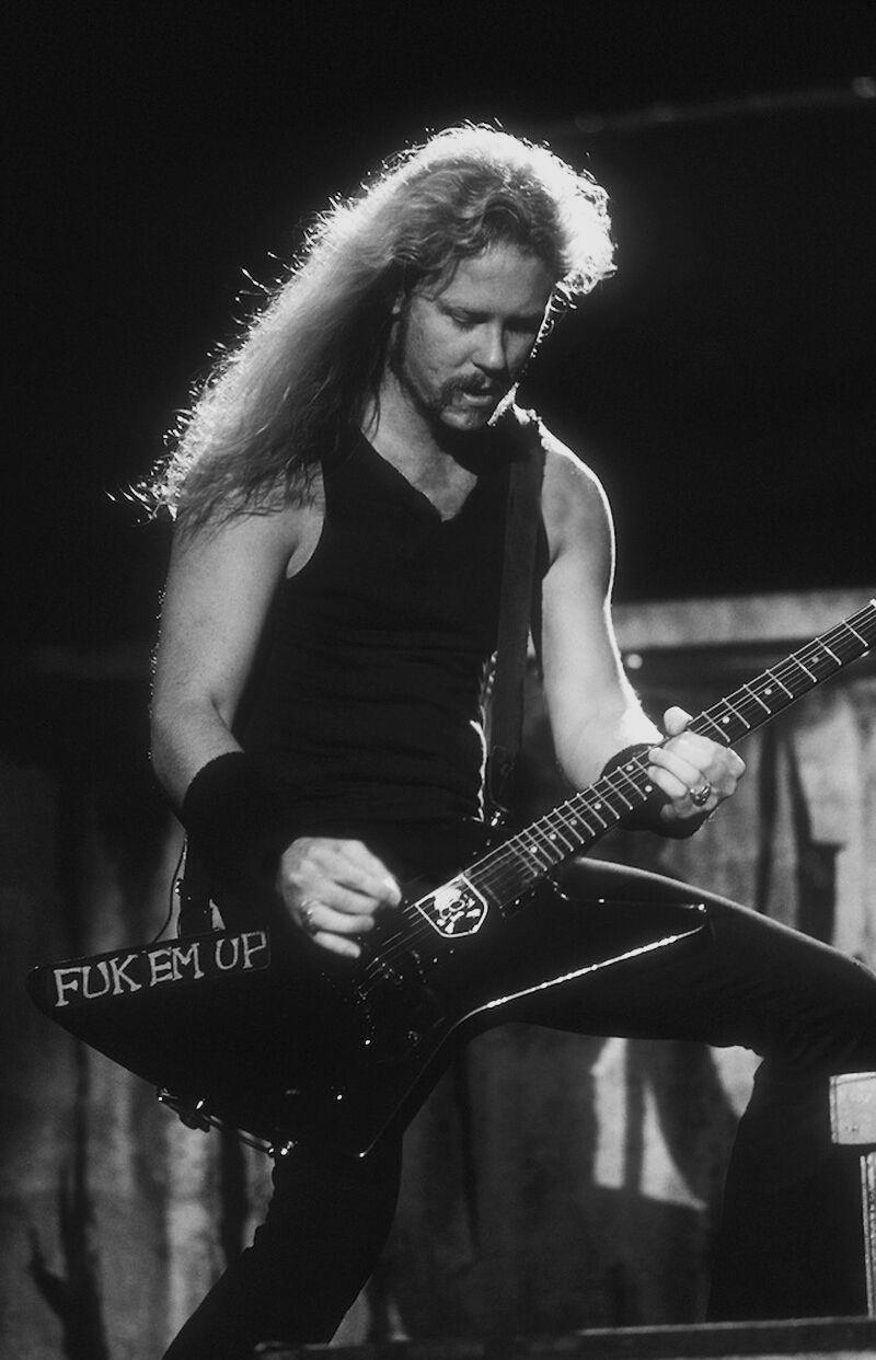 Pin By Jasmine On Black And White James Hetfield James Hetfield Guitar Metallica