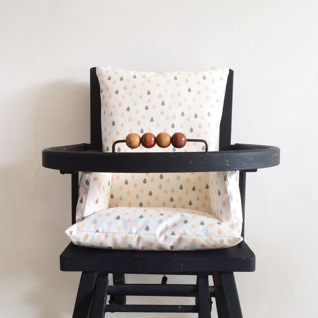 Coussin Chaise Haute En Toile Enduite Motif Gouttes Pastels Le Coussin De Chaise Haute Convient Aux Chai Coussin Chaise Haute Coussin Chaise Chaise Haute Bois