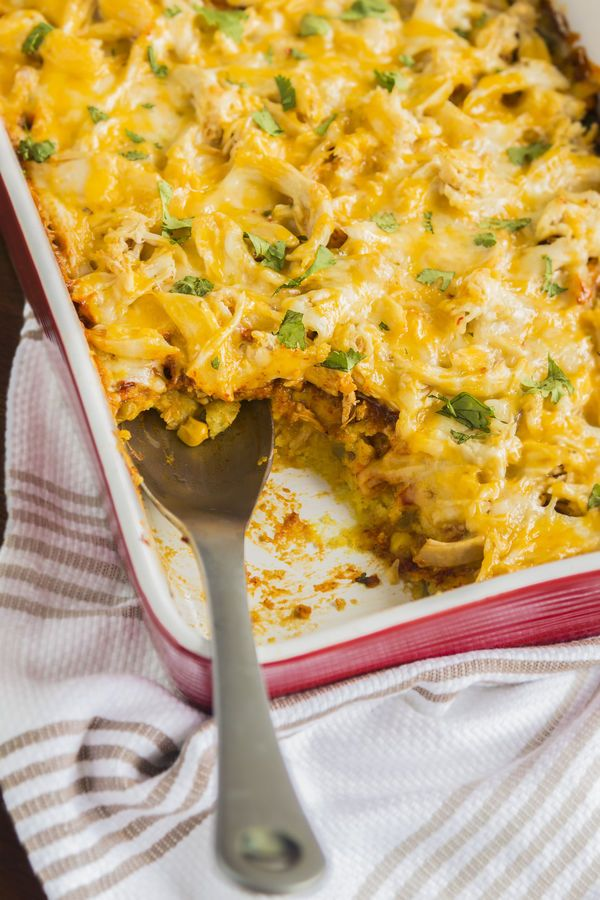Easy Southwestern Recipe: Cornbread Chicken Enchilada Casserole ...