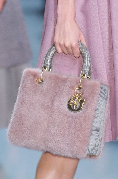 LOVE this bag!    #dior #fashion #runway #bag #fur #pink