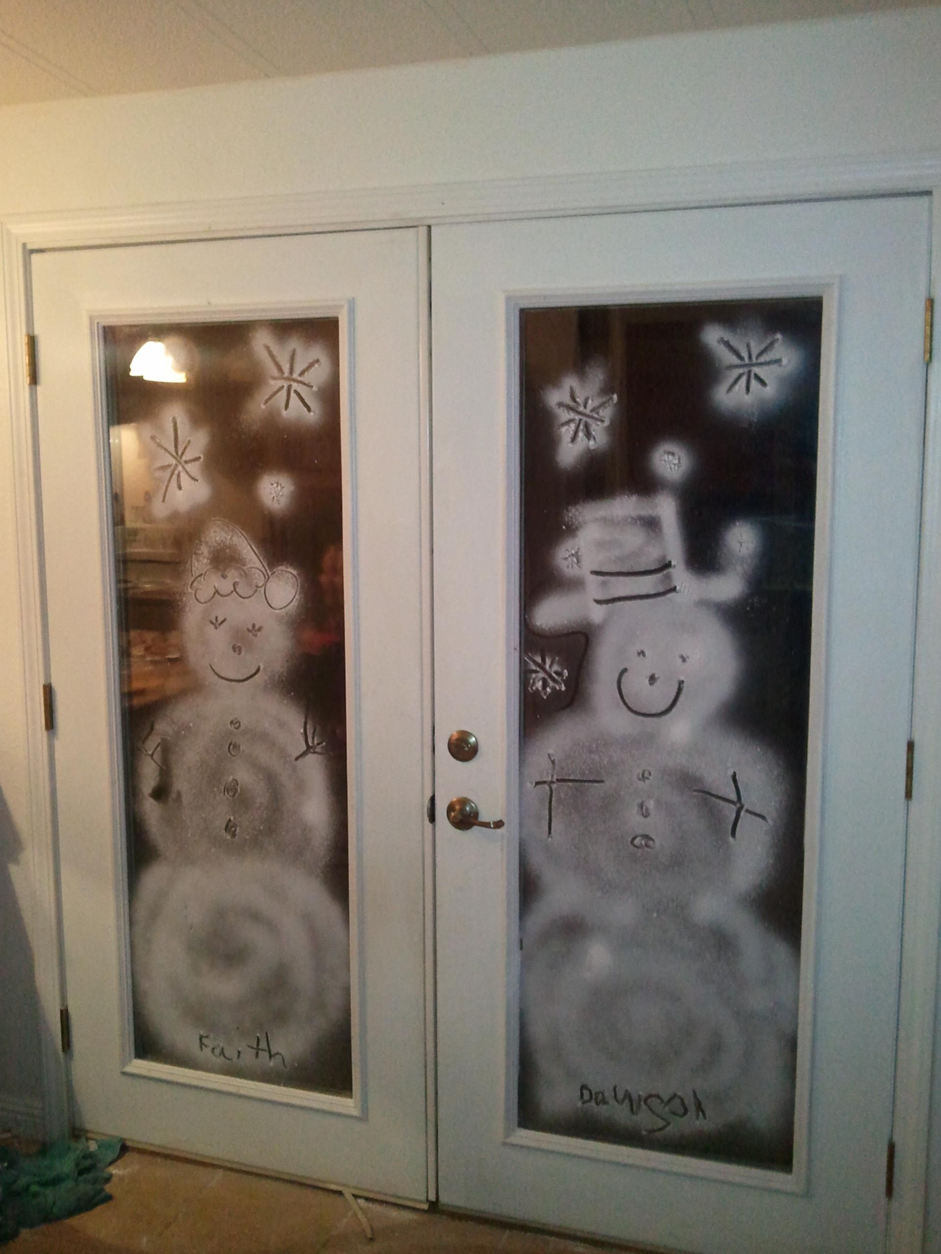 French Door Decorating Ideas Part - 48: Glass Door Xmas Decor With Snow Spray