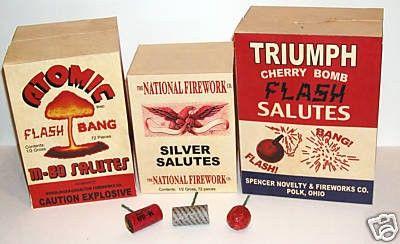 Last One Colours Are Striking 25 Shot Salute Thunder King, Firework Labels tk 1