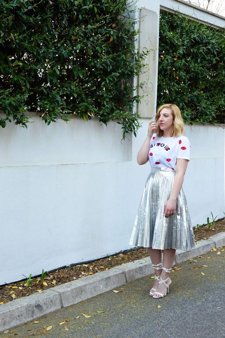 #Metallicskirtoutfit #metallicskirt   https://theninebyivana.blogspot.com/2017/04/how-to-wear-metallic-skirt.html