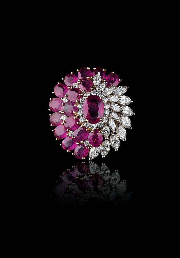 Farah Khan For Tanishq Ruby And Diamond Tail Ring Set In Yellow Gold