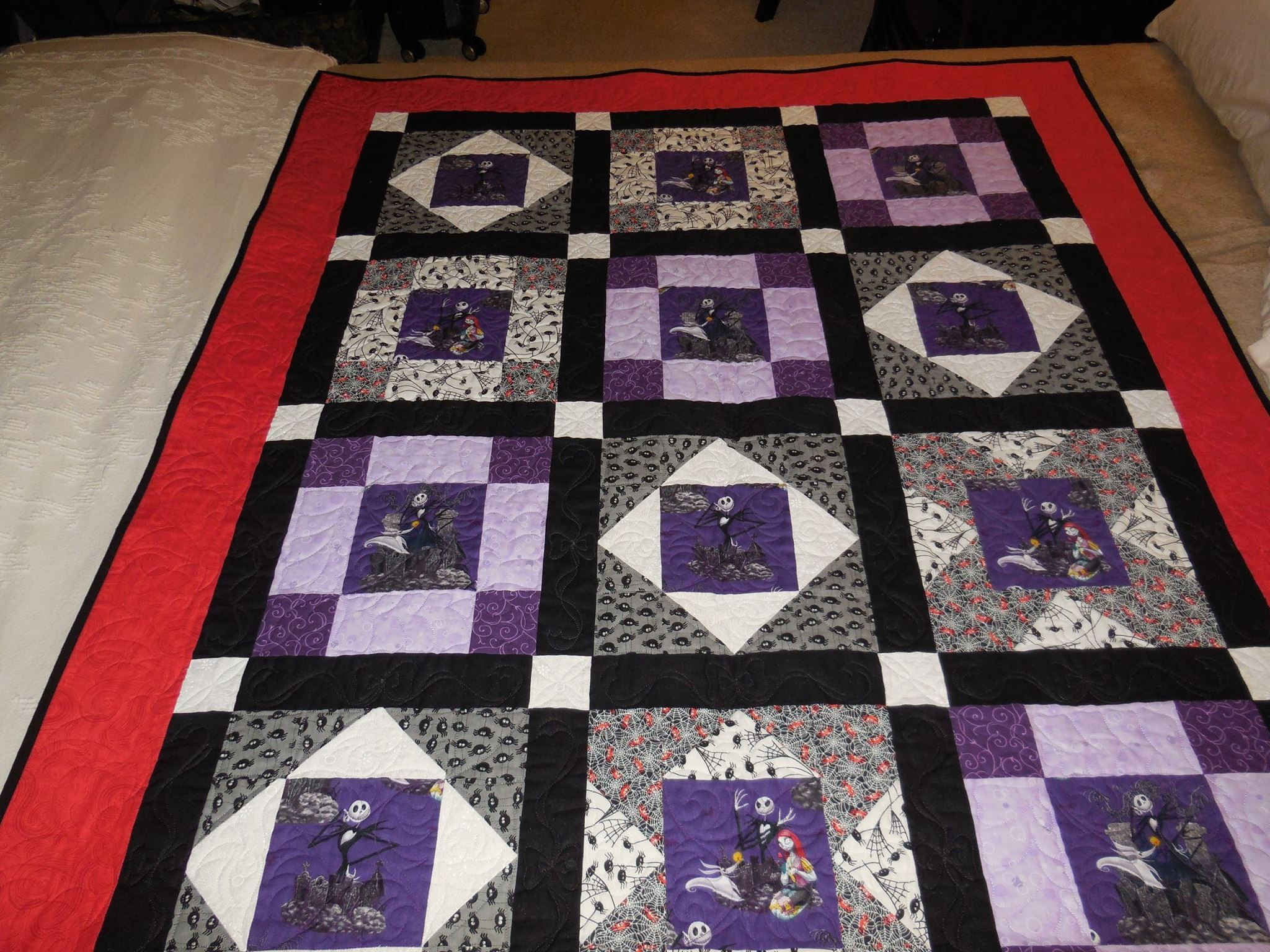 Nightmare Before Christmas Quilt Nightmare Before Christmas Fabric Christmas Quilt Patterns Halloween Quilts