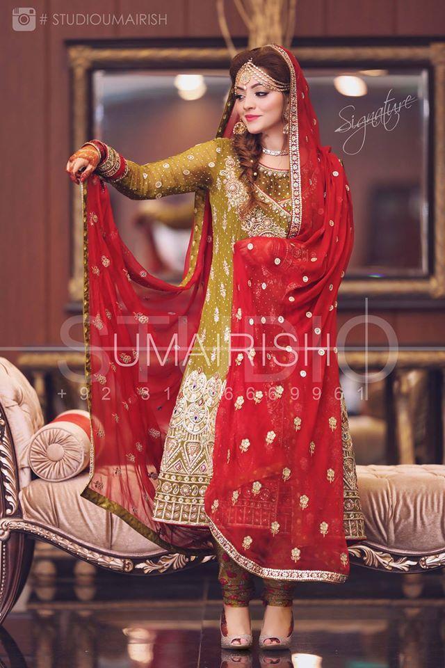 I love the colour combination here.The perfect mehndi colour