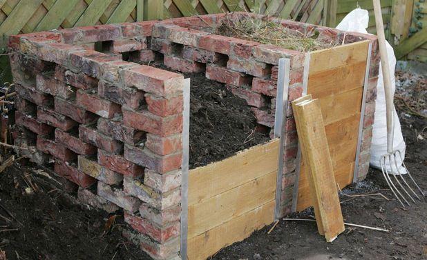 Stein- Und Kunststoffkompost | Erst Die Arbeit .... | Pinterest ... Bio Komposter Aus Holz Selber Bauen Anleitung In Einfachen Schritten