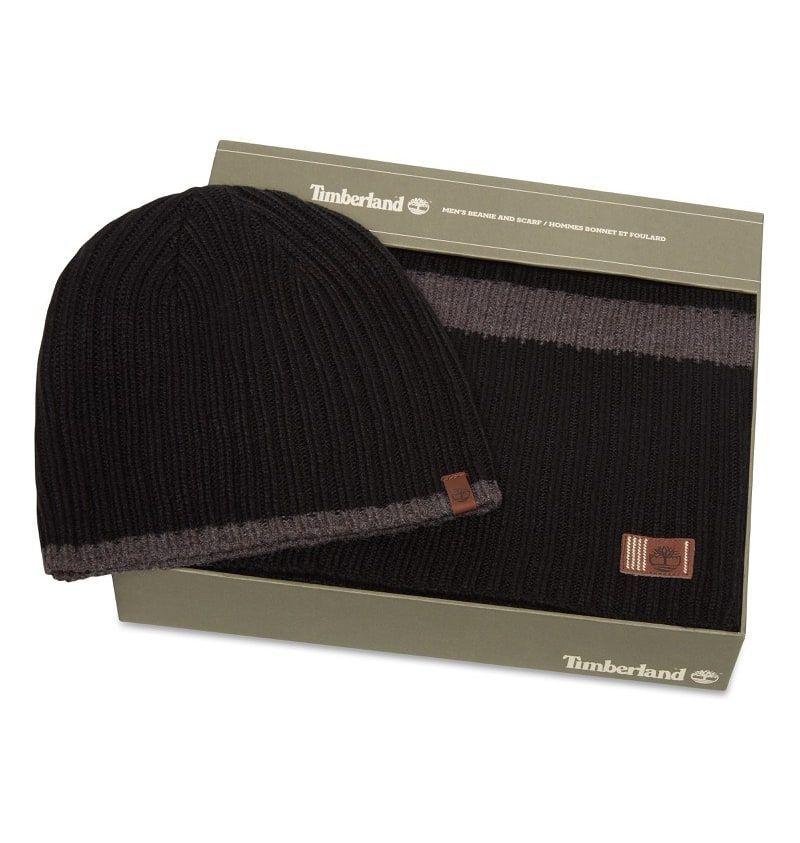 cc5878dfd3b Réf   A1EH7 Ce Coffret Écharpe et Bonnet Homme Timberland Ribbed Stripe  Gift Set présente deux