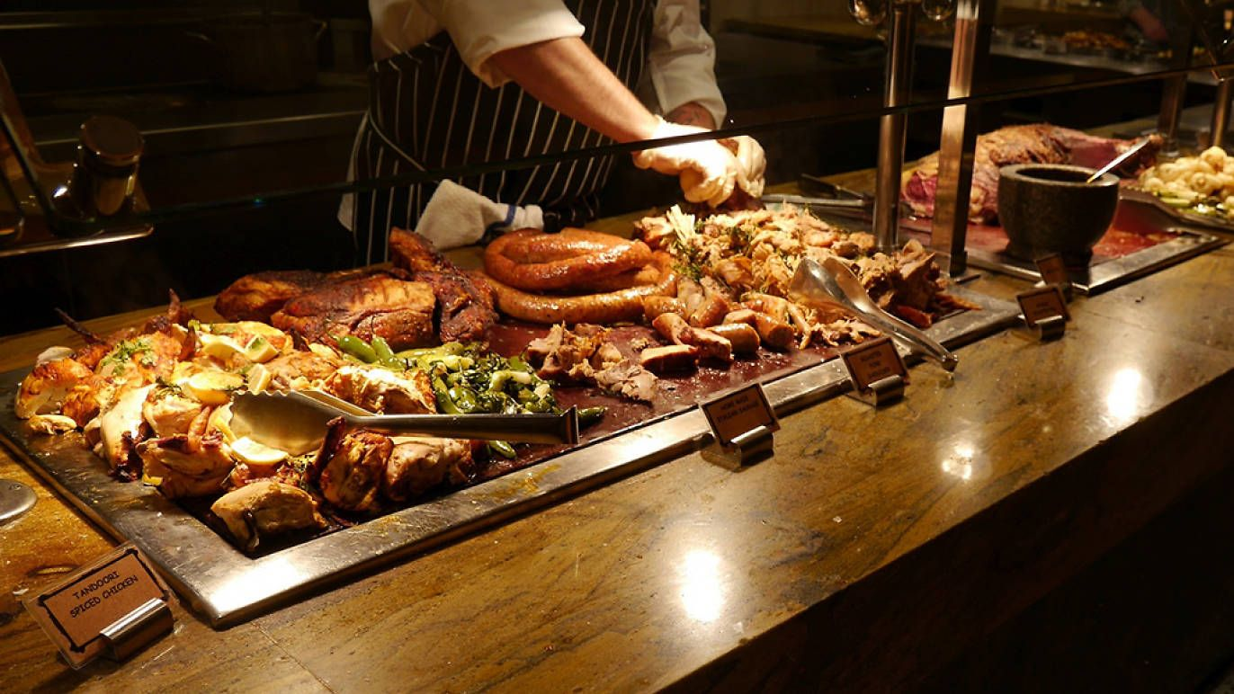 Awe Inspiring Best Buffets In Las Vegas To Satisfy Your Hunger Pangs In Home Interior And Landscaping Dextoversignezvosmurscom