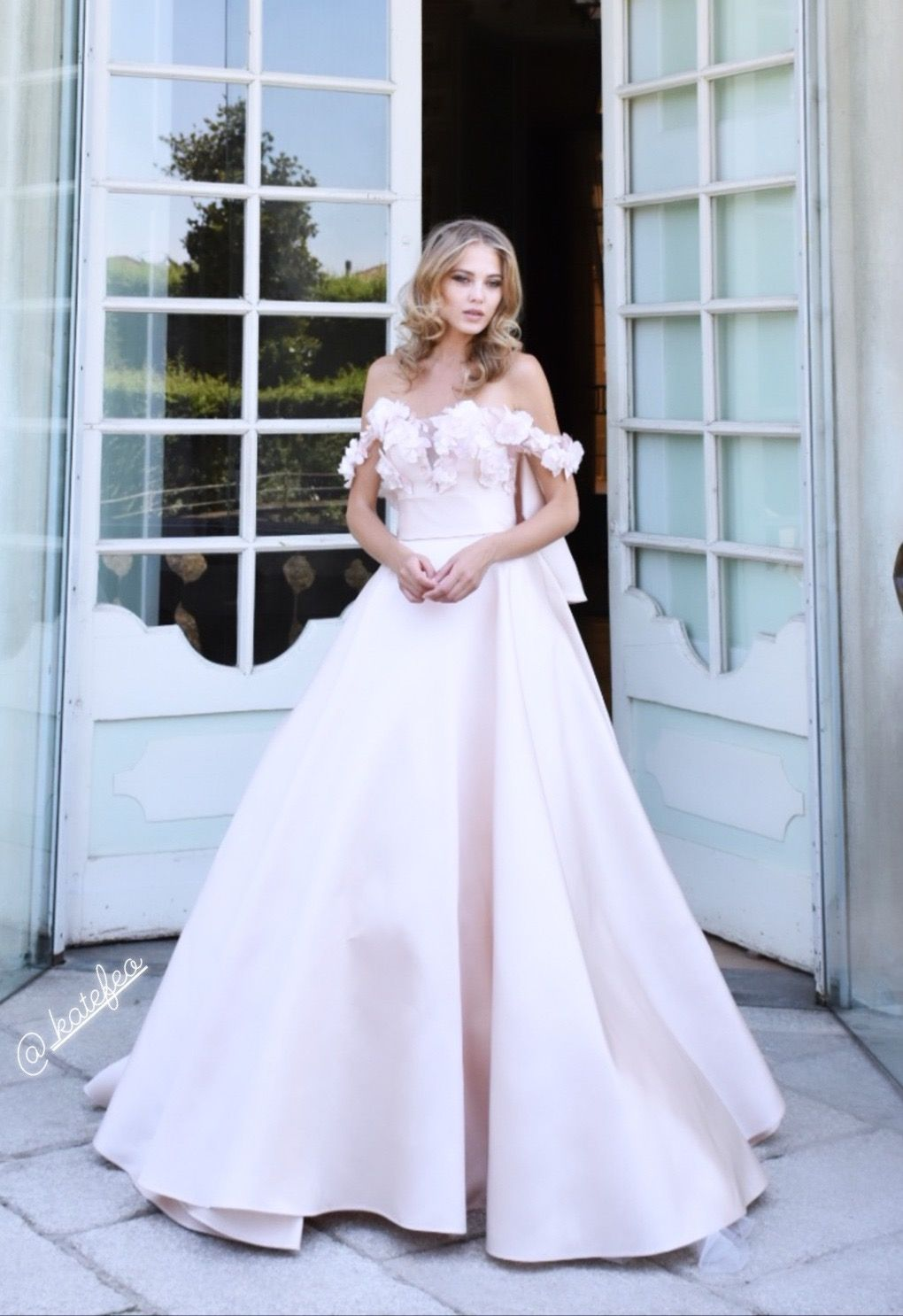 Abiti Da Sposa Di Seta.La Sposa 2020 Dello Stilista Stefano Blandaleone Abiti Da Sposa