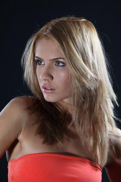 Nicoleta Macarencu Nude Photos 70