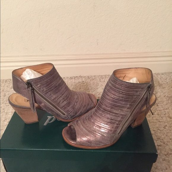 """Paul Green 'Cayanne' Leather Peep Toe Sandal So comfortable and versatile. This color goes with everything! A subtle metallic gold/silver/tan. 3"""" heel, side-zip closure Current style on Nordstrom. Retails for $349.00.  Only worn 2-3 times. Great condition! Paul Green Shoes Sandals"""