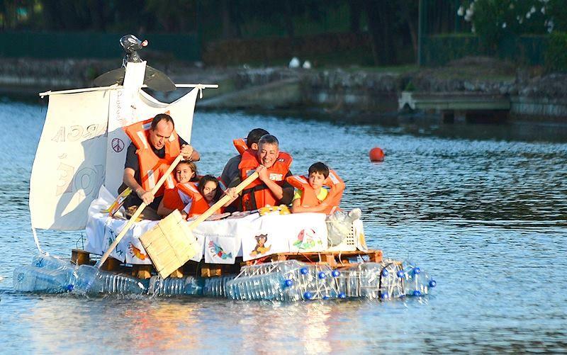Prove in acqua per le Re Boat... sarà affondata prima della grande sfida?!!! ;-)