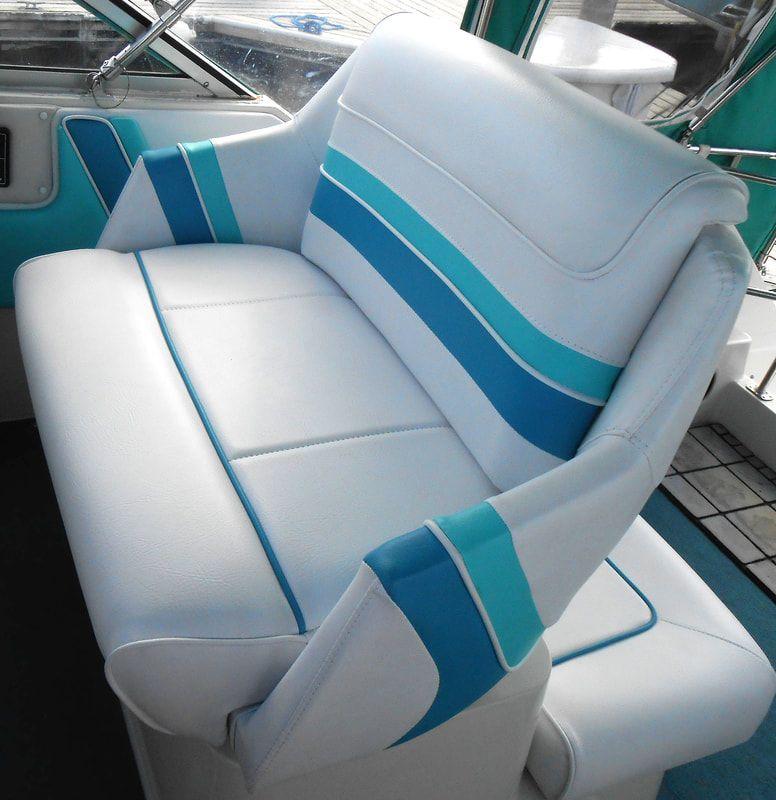 Boat Upholstery - SAMSON CUSTOM UPHOLSTERY | Pontoon boat
