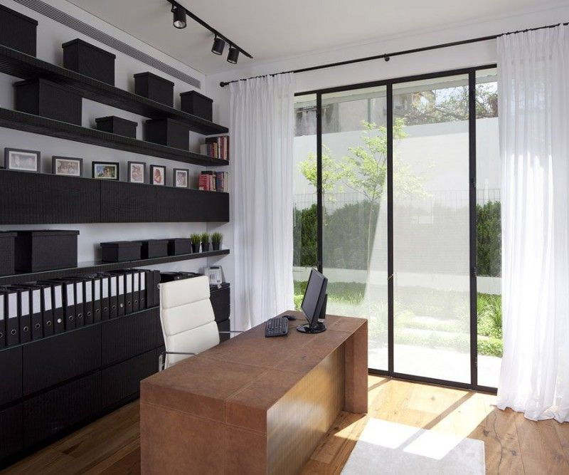 House in Ramat Hasharon by Levy:Chamizer Architects | HomeDSGN, a daily source for inspiration and fresh ideas on interior design and home decoration.