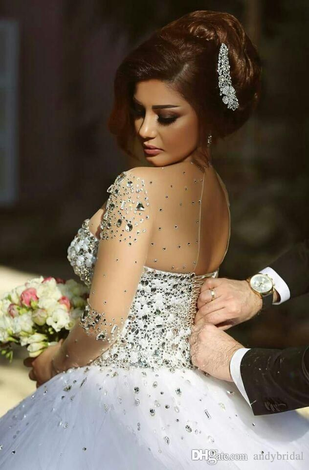 2016 Long Sleeve Wedding Dresses with Rhinestones Crystals Backless Ball  Gown Wedding Dress Vintage Bridal Gowns Spring Quinceanera Dresses ae01dd03acda