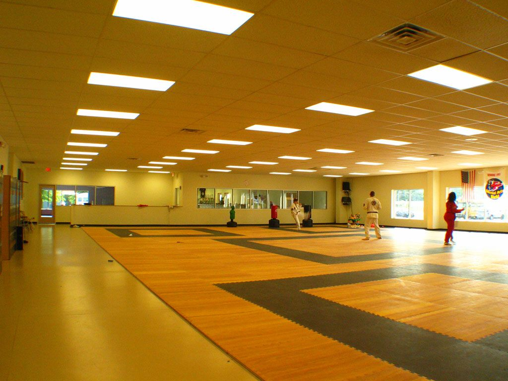 Martial arts world gymnasium space for large classes