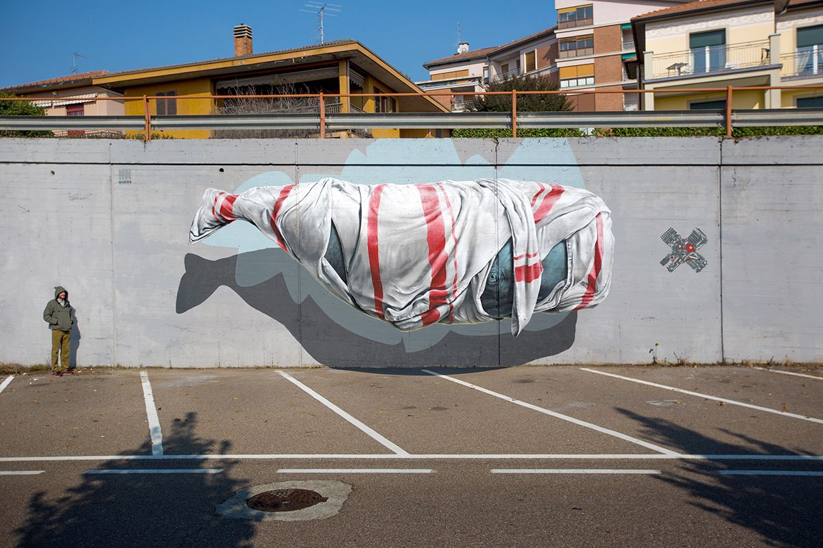 """Signalling machine"" - Mural painting realized for Urban Canvas in Varese (I), 2015. 45°48'42.3""N 8°49'24.9""E"
