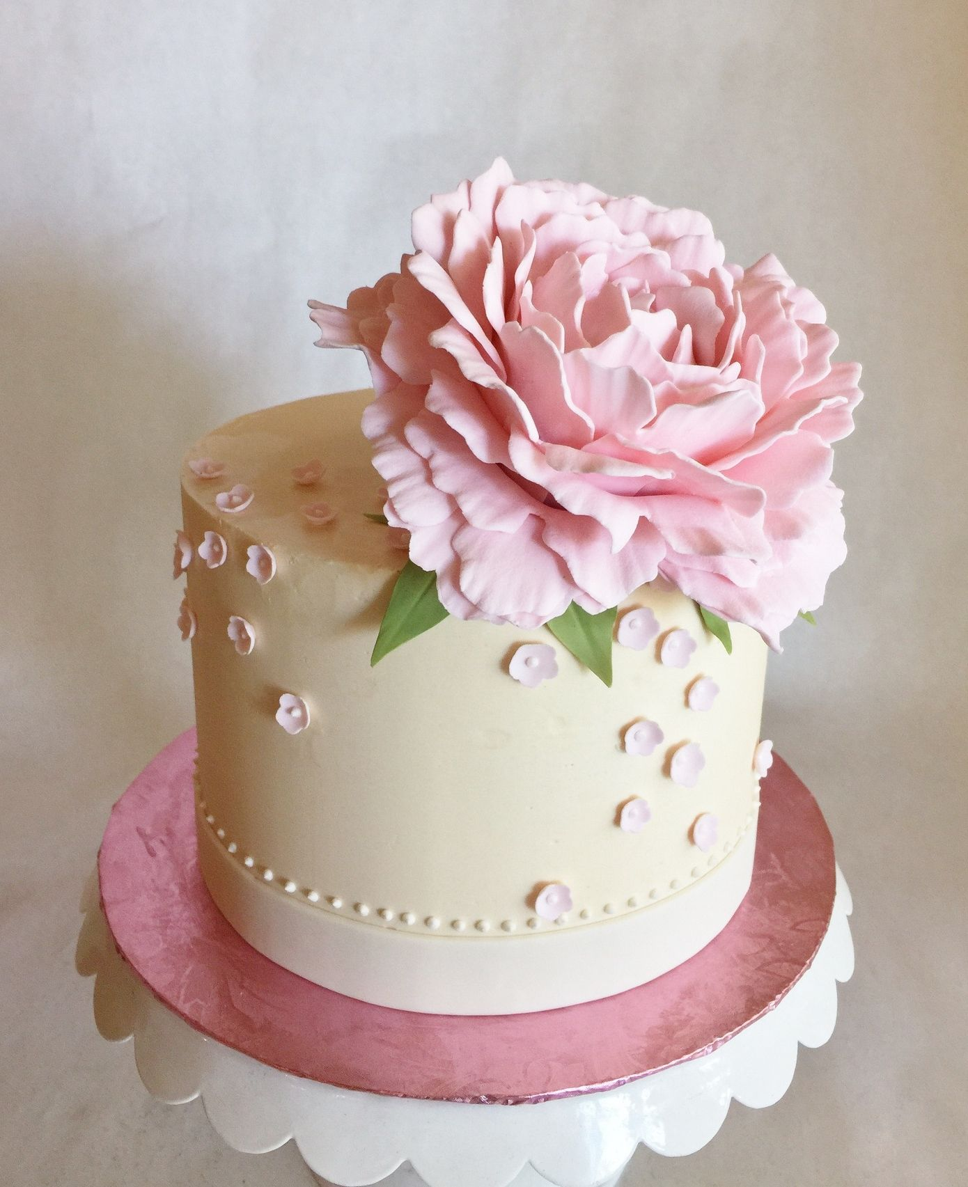 Sugar flower peony blossoms pink Flower cake