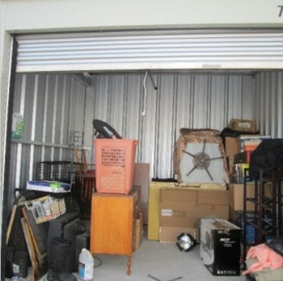 10x10 Storageauction In Saskatoon 712 Ends Nov 25 2015 8 00am America Los Angeles Lien Sale Storage Auctions Auction Saskatoon
