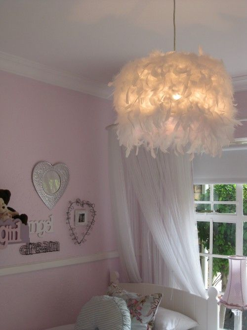 Love The Feather Light Fixture With Images Diy Lamp Shade