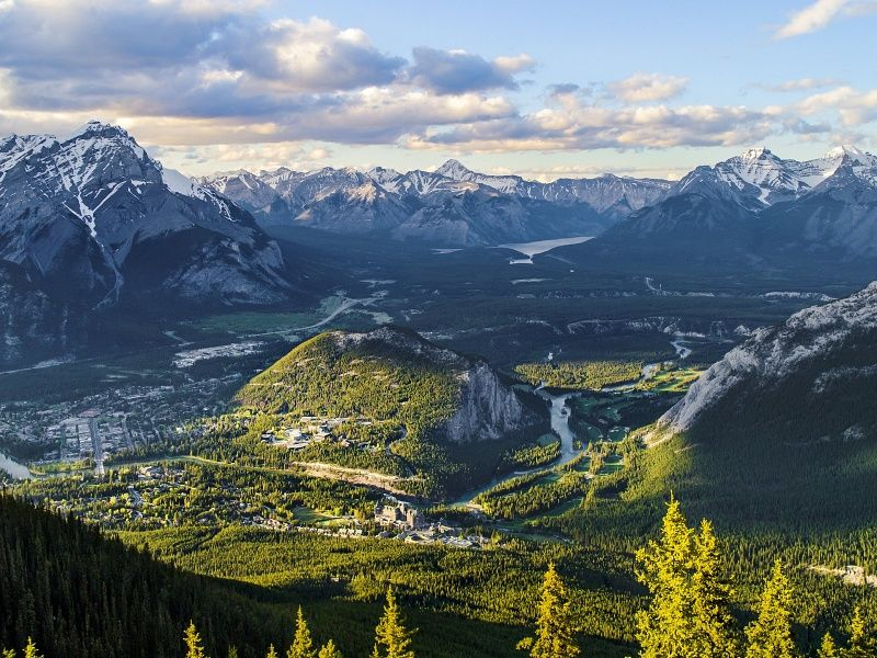 Amazing View From Sulphur Mountain uHD Wallpaper on
