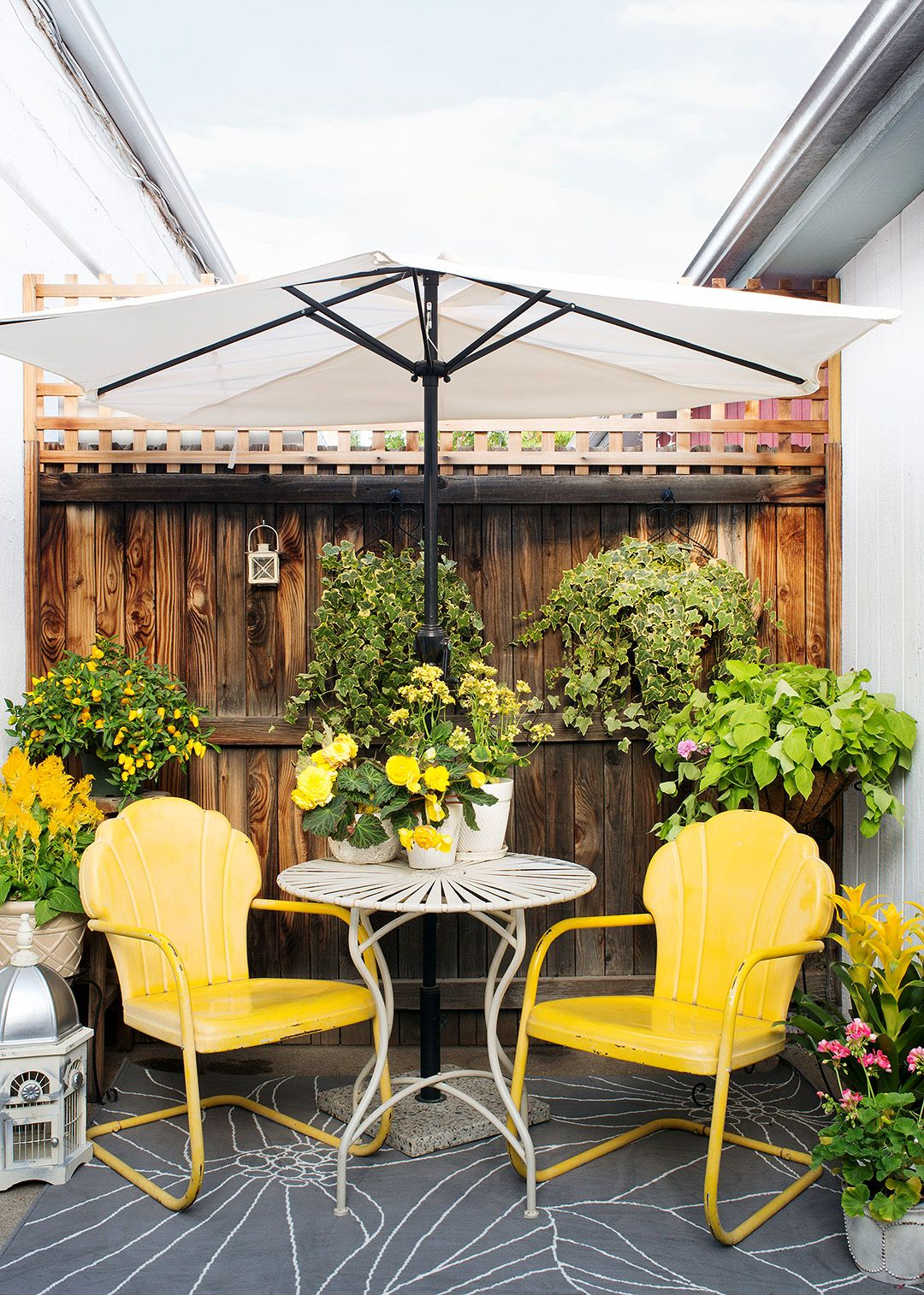 9 budget friendly backyard projects you can do in a on backyard landscaping ideas with minimum budget id=84718