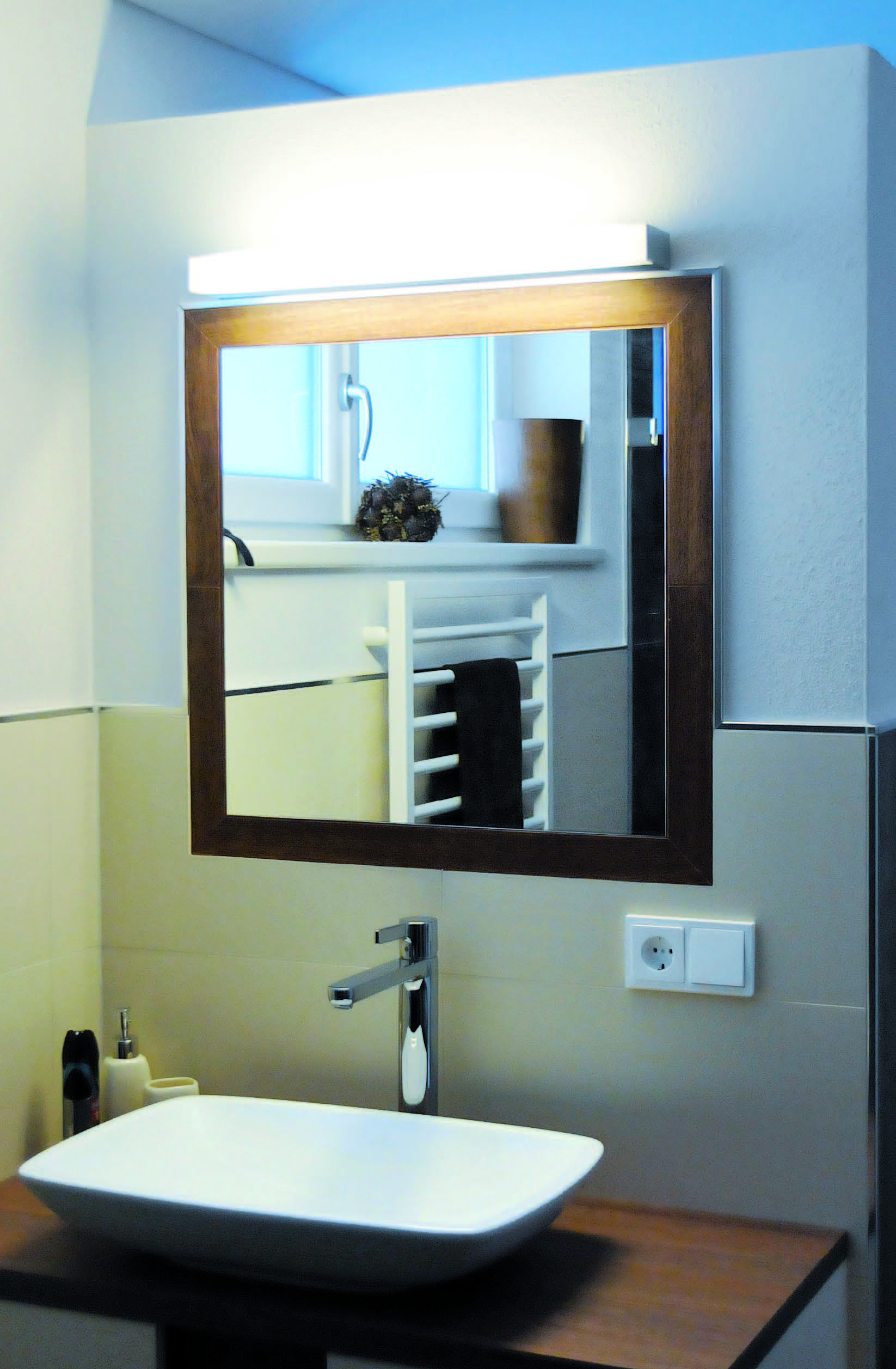 The new mirror led from orbit illuminations design and