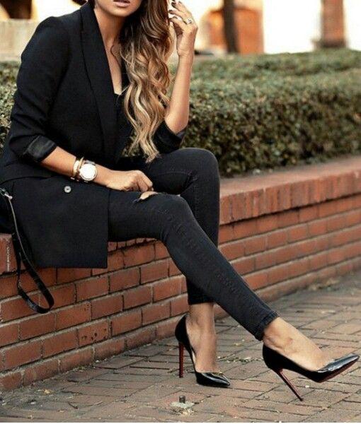 All black  @mismimy