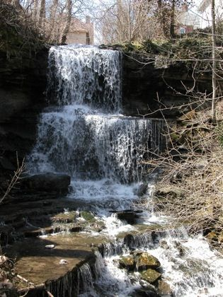 West Milton Falls Miami County Oh 20 Feet Ohio Waterfalls Ohio Vacations Waterfall