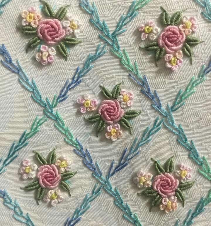 Resultado De Imagem Para Bullion Stitch Embroidery From Roses To