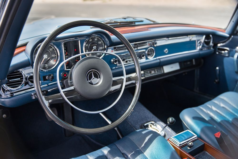 Heres what a perfectlypreserved pagodaroof mercedes