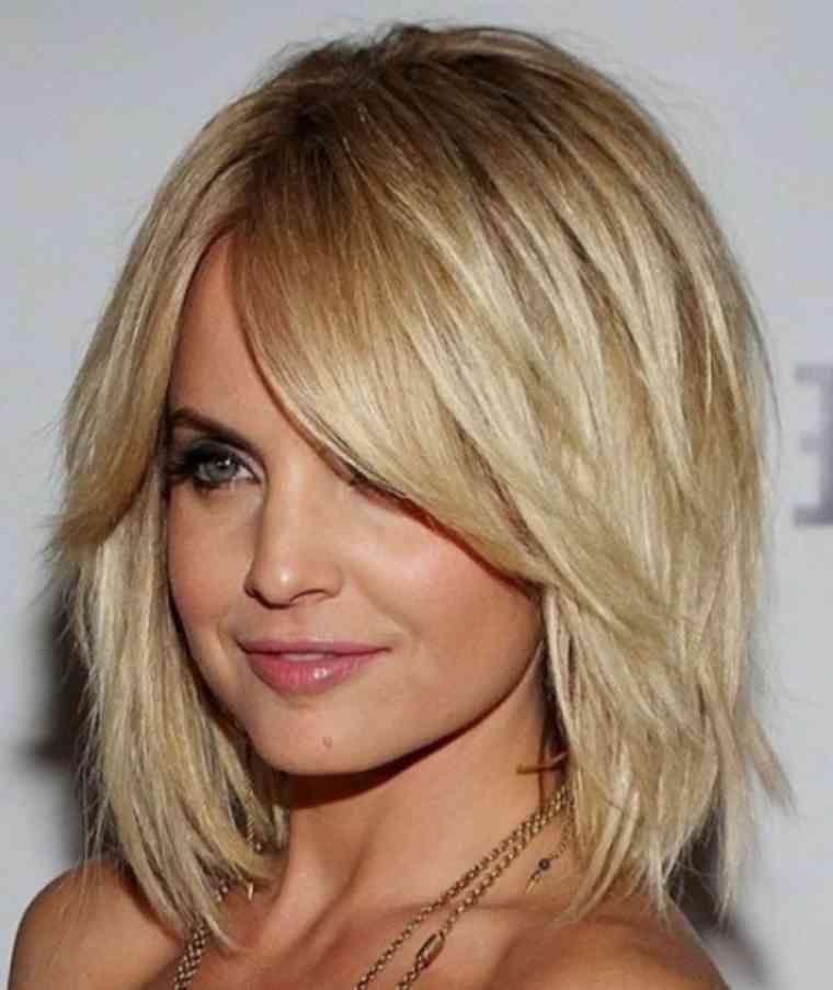 Frisuren Mittellang Gestuft Dunnes Haar Einfache Frisuren