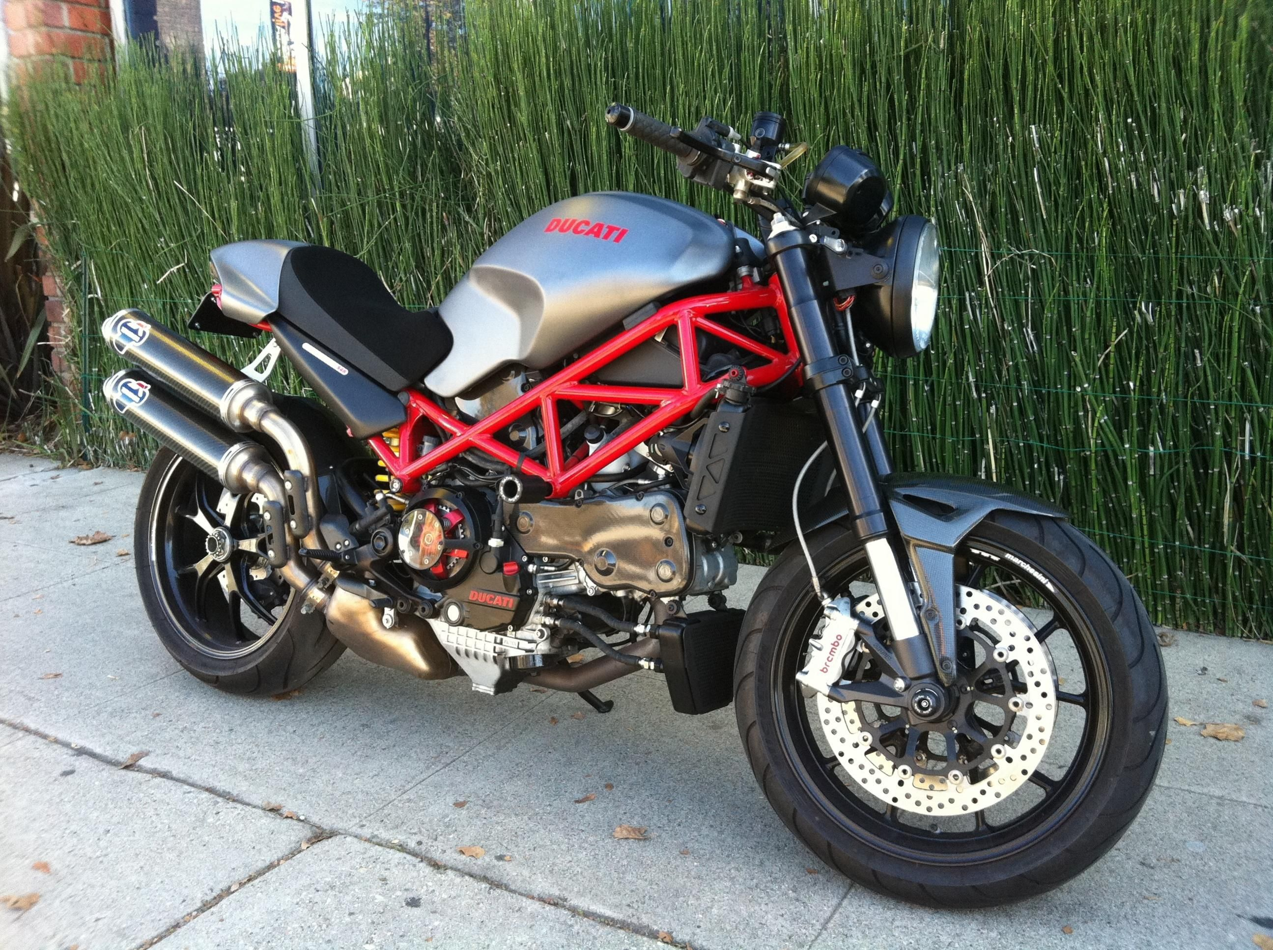 Gray With Red Frame S4r Ducati Monsters Moto Ducati Ducati