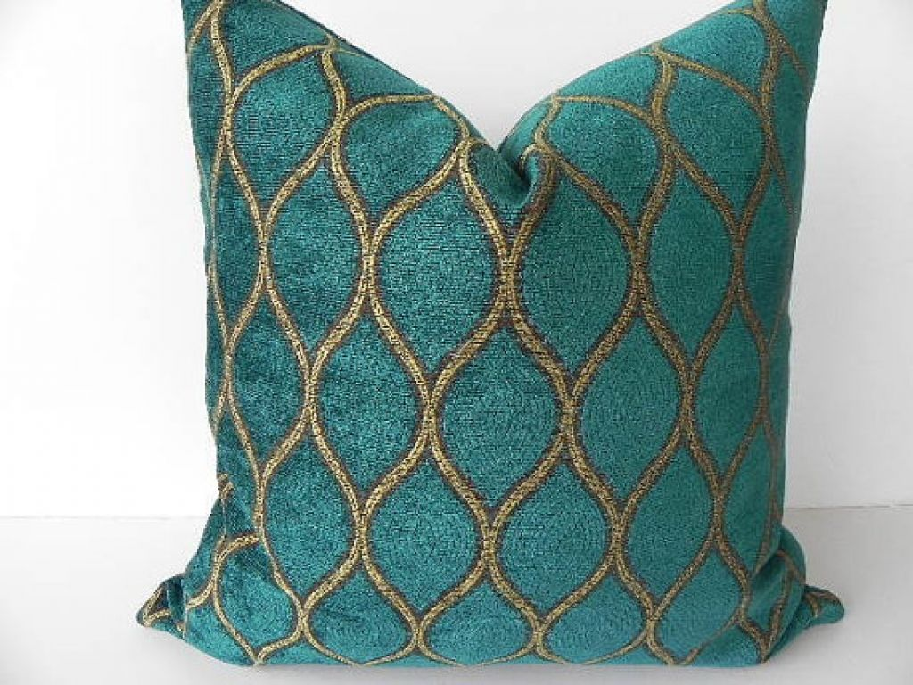 Decor Teal Decorative Pillows The Decor Dark Green Velvet And Gold Color Curved Lines Make Your Room More Colorful With Teal Decor Navolochki Pokryvalo Podushki