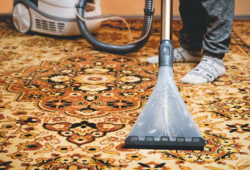 كيفية ازالة رائحة السجاد الكريهة اكتشفي خطوات تنظيف السجاد والموكيت بدون تعب In 2021 How To Clean Carpet Cleaning Upholstery Carpet Cleaning Service