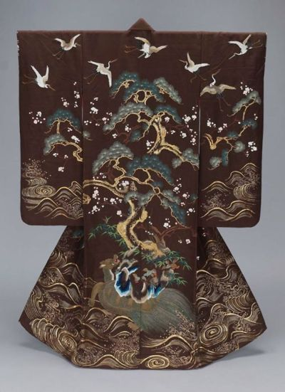 Perfect fall coloring for 2014: burgundy, pine and gold, with icy silver white flashes.  19th century uchikake