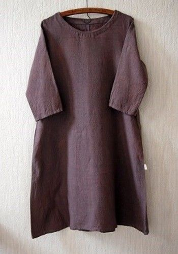 052603a33fd78 袖の具合や襟元のデザインでちょっぴりガーリーにも、大人っぽくも演出できます。シンプルで潔いデザインは、上品な着こなしにぴったりなのでおすすめ☆自分なりの定番  ...