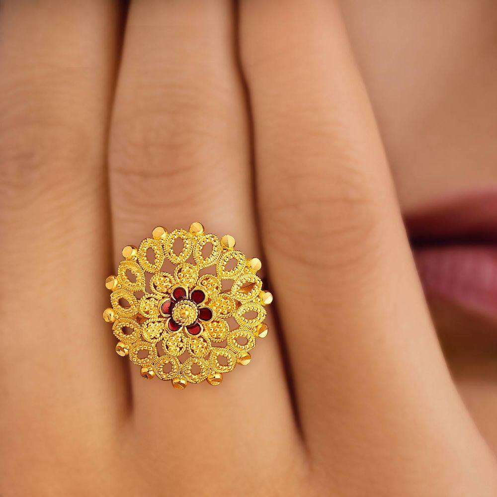 511052fsanaa00jpg 10001000 tanishq jewellery gold