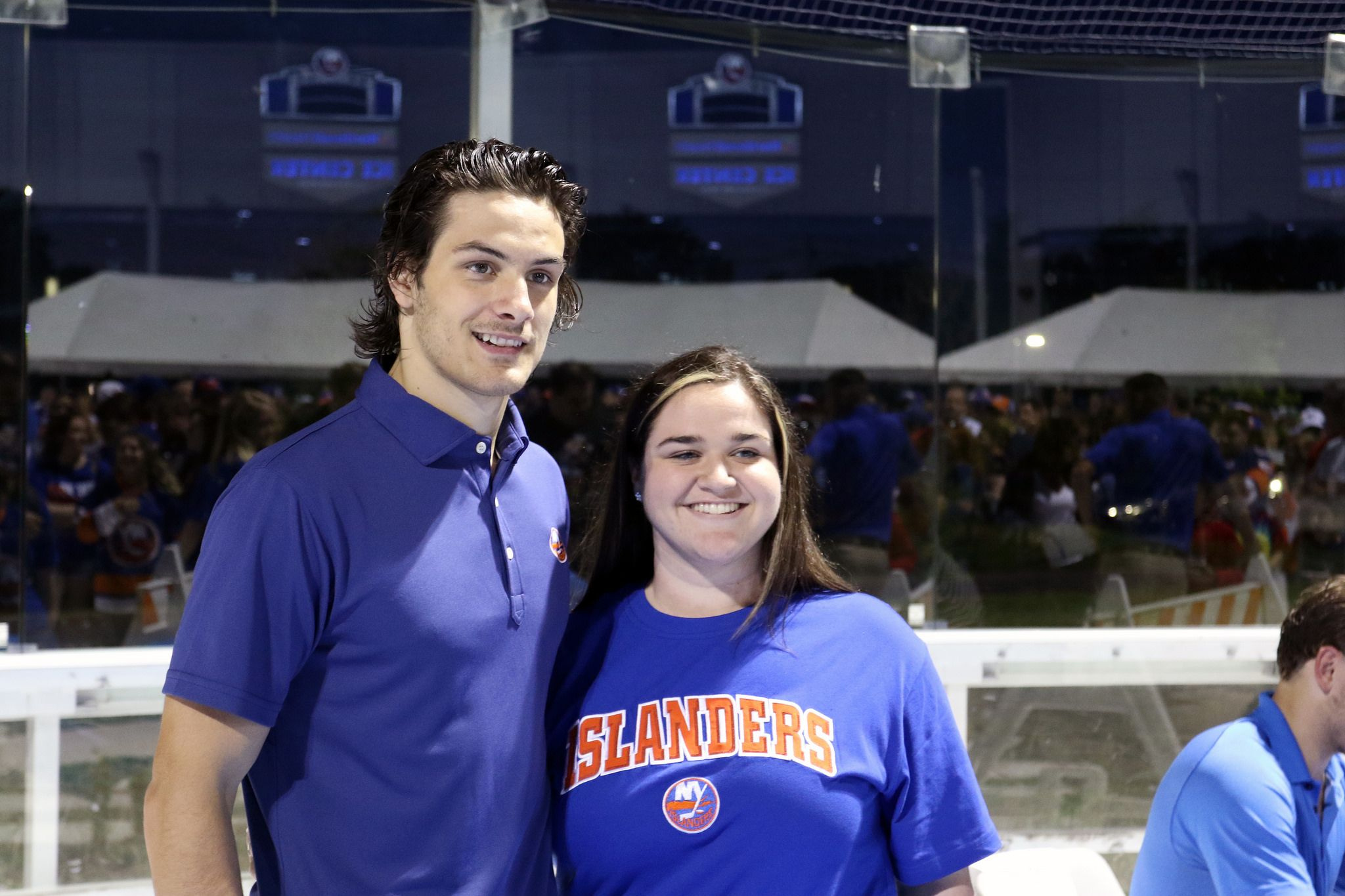premium selection f6817 53f23 Mathew Barzal catches up with fans during an autograph ...