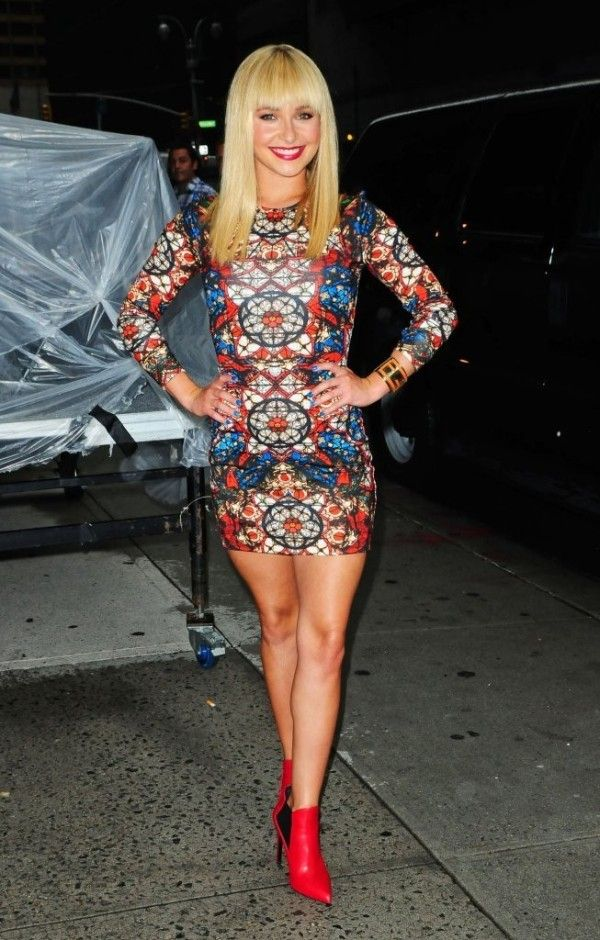 Fabulously Spotted: Hayden Panettiere Wearing Alexander McQueen – Late Show With David Letterman - http://www.becauseiamfabulous.com/2013/08/hayden-panettiere-wearing-alexander-mcqueen-late-show-with-david-letterman/